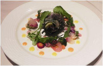 色々な海の幸とカラフルな冬野菜のマリネ 2色のフルーピーのソース